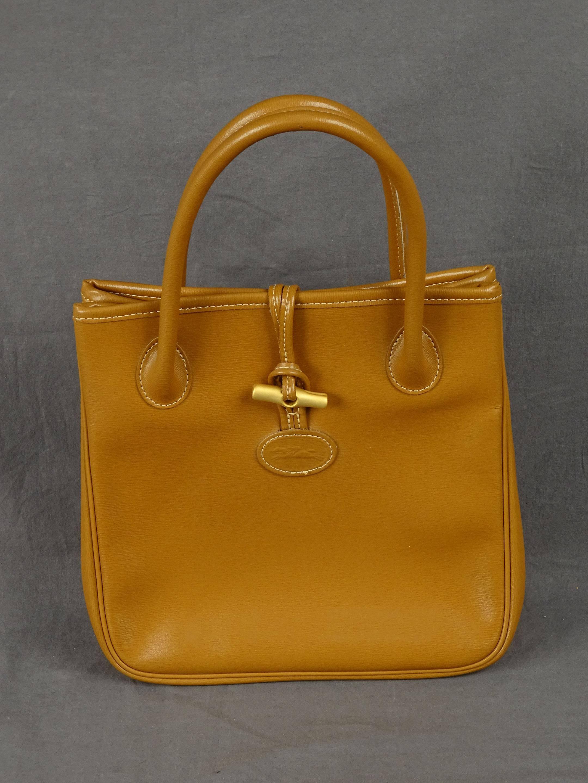 LONGCHAMP - Sac porté main modèle Roseau en cuir lisse camel ...