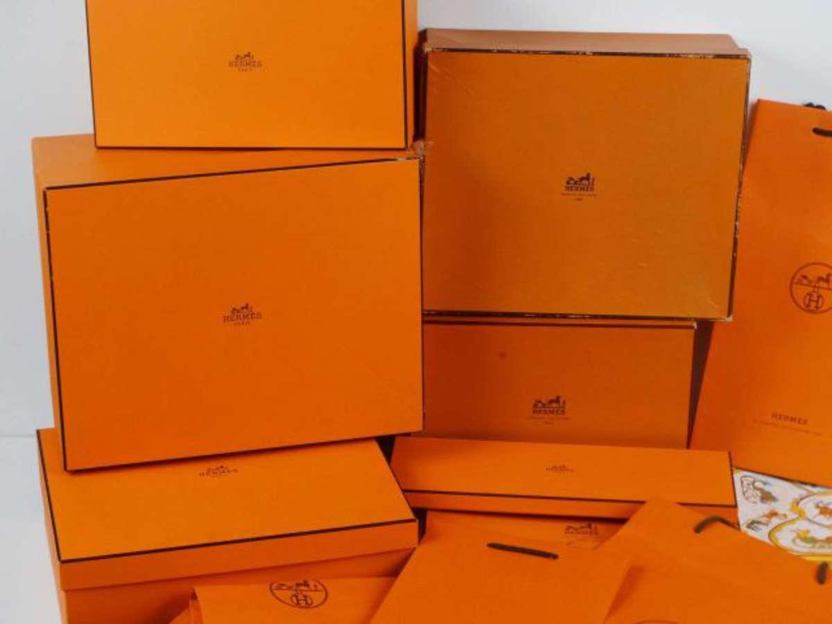 HERMES - Lot de 7 boîtes vides de différentes tailles et 7 sacs en ... 32bff8384a2