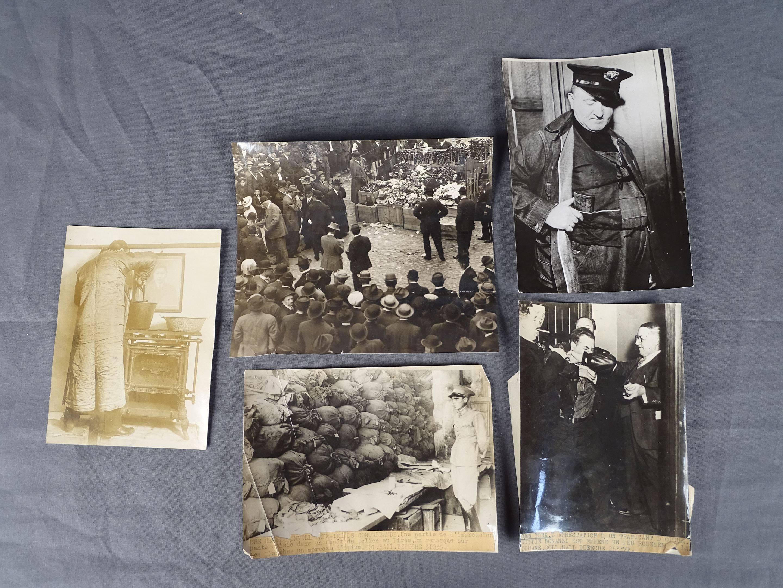 Cinq photos sur la répression de l'usage de l'opium dans les années 1930...