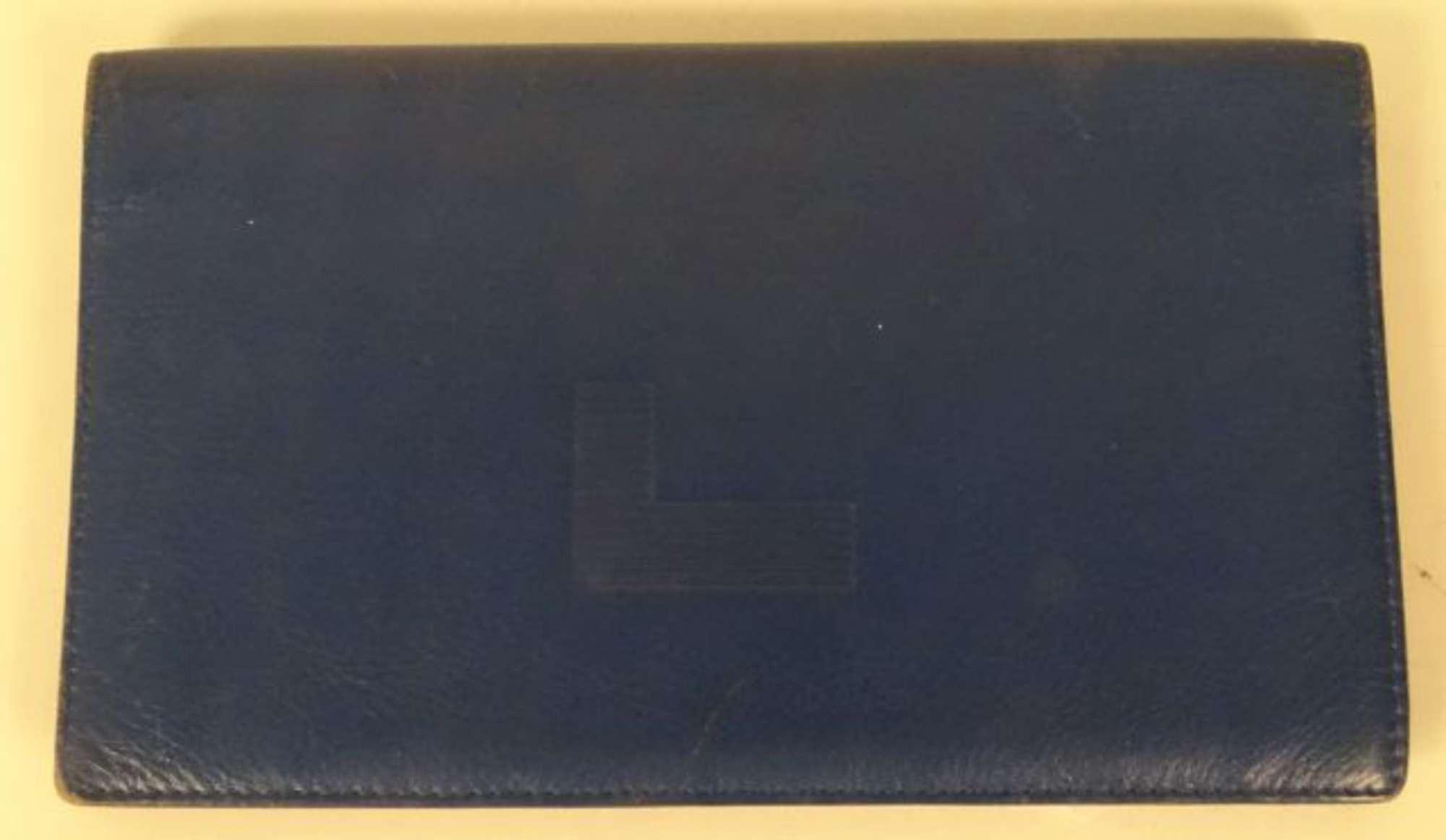 lancel portefeuille en cuir bleu roi sigl etat d 39 usage. Black Bedroom Furniture Sets. Home Design Ideas