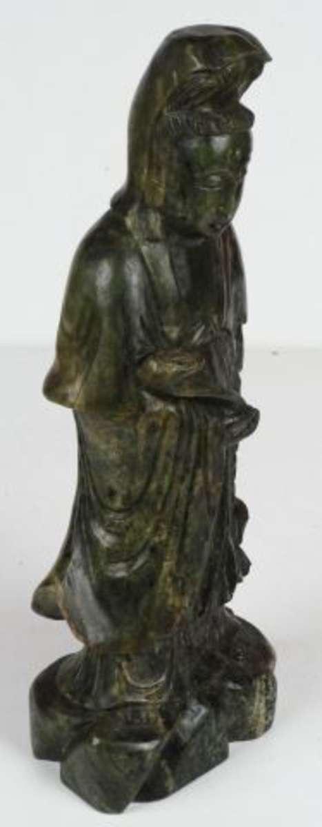kwanin au ruy sujet en jad ite chine h 41 cm vente aux ench res art d asie. Black Bedroom Furniture Sets. Home Design Ideas