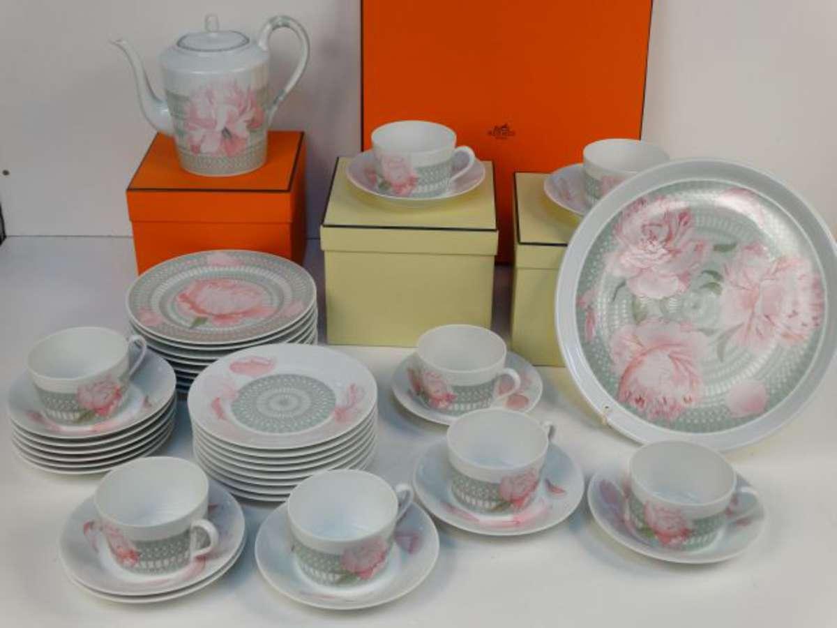 Hermès - Partie de service de table en porcelaine de Limoges, modèle ... 6dae92c6dec