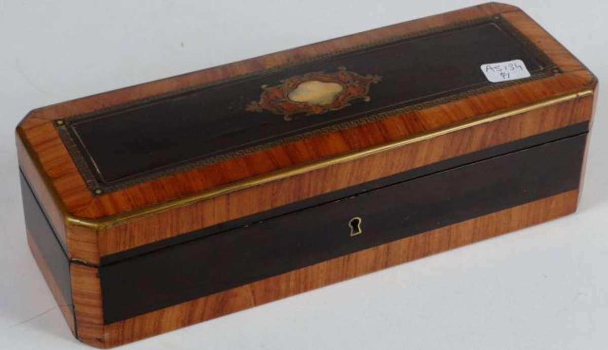 boite gants en placage de palissandre et bois de rose incrustation de laiton et burgau. Black Bedroom Furniture Sets. Home Design Ideas