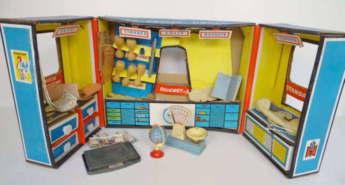 Coffret En Carton D Un Bureau De La Poste Avec Accessoires Bon Etat Vente Aux Encheres Jouets Trains Poupees Automates