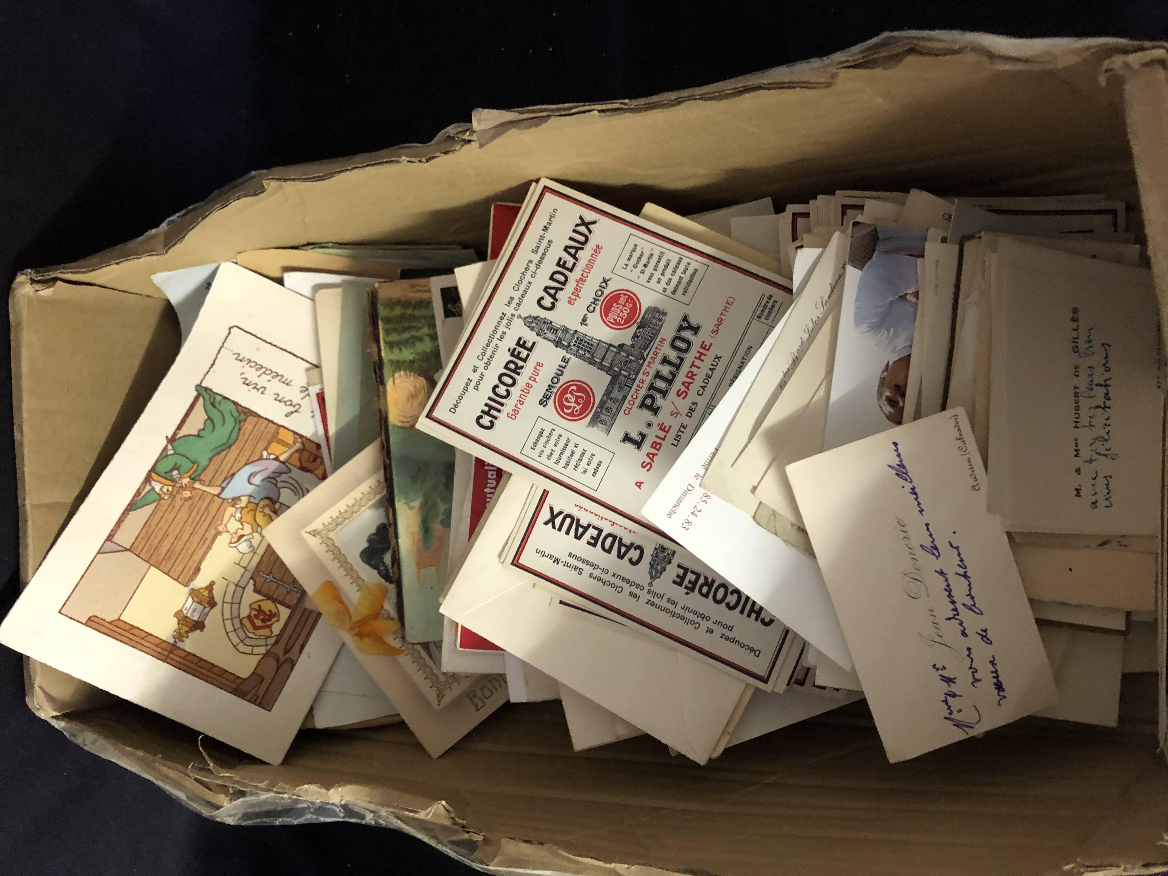 Vieux papiers , cartes de visites anciennes , étiquettes , quittances , bristols ... - un Carton ...