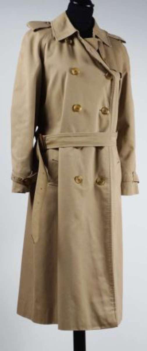 BURBERRY - Trench coat femme Heritage coupe classique T38/40, Vente aux enchères : Argenterie ...