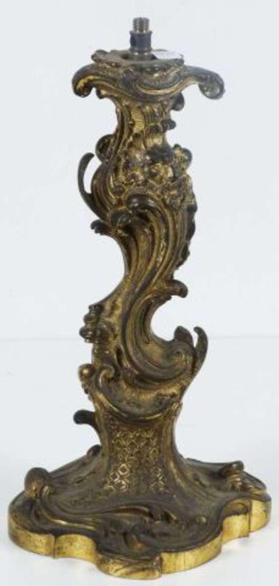 Pied De Lampe En Bronze Dore De Style Rocaille A Decor De Masque D
