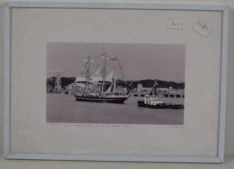 6 photos du bellem au port de bordeaux en 1990 par jouvin vente aux ench res photographies. Black Bedroom Furniture Sets. Home Design Ideas