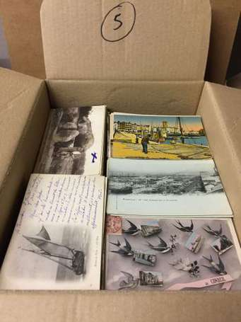 Carton d'env. 1650 cartes postales France