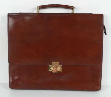 Lot de trois porte-documents en cuir marron