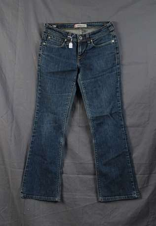 LEVI STRAUSS - Jean 572 Boot Cut, quatre poches